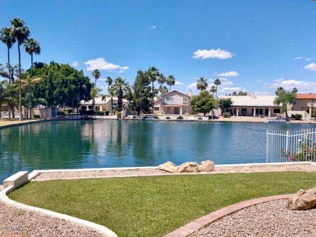 413 S LAKE MIRAGE Drive, Gilbert, AZ 85233