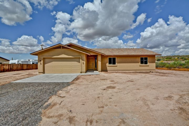 48418 N 7th Avenue, New River, AZ 85087