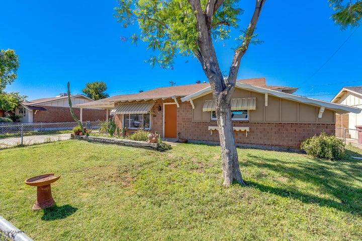 8512 E WINDSOR Avenue, Scottsdale, AZ 85257