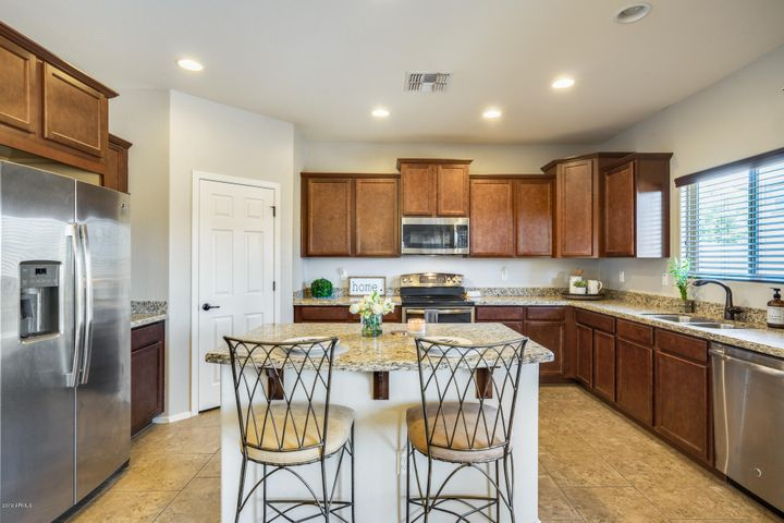 18024 W POST Drive, Surprise, AZ 85388