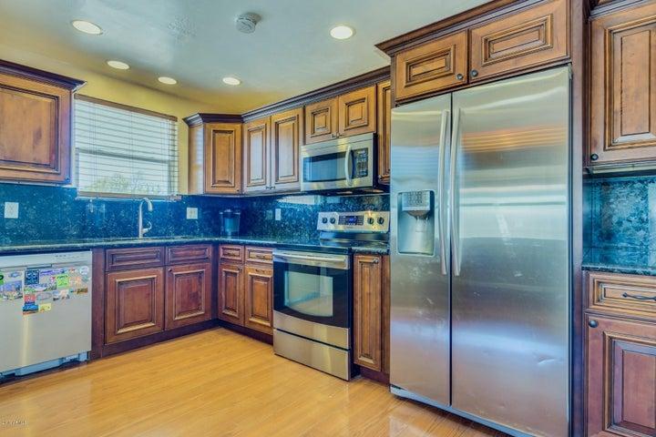 1543 W GLENROSA Avenue, Phoenix, AZ 85015