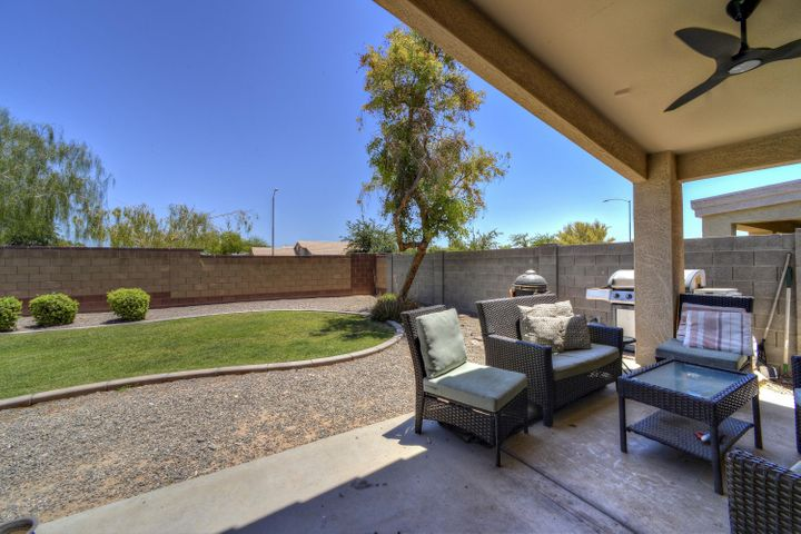 Gorgeous home in Sonoran Heights Elementary School District! Large yard!