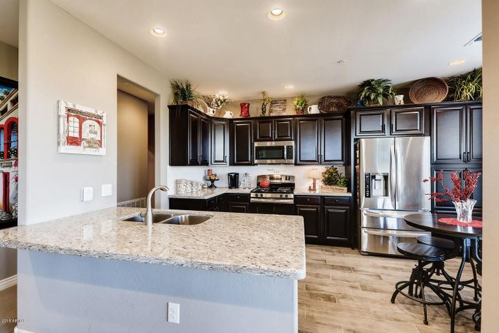 2425 W BRONCO BUTTE Trail, 2032, Phoenix, AZ 85085