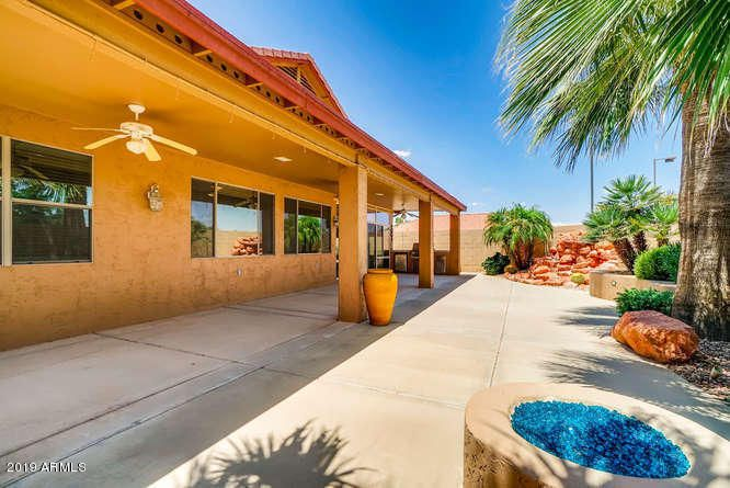 17737 N BECKE Lane, Surprise, AZ 85374