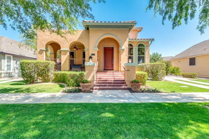 2722 E TAMARISK Street, Gilbert, AZ 85296