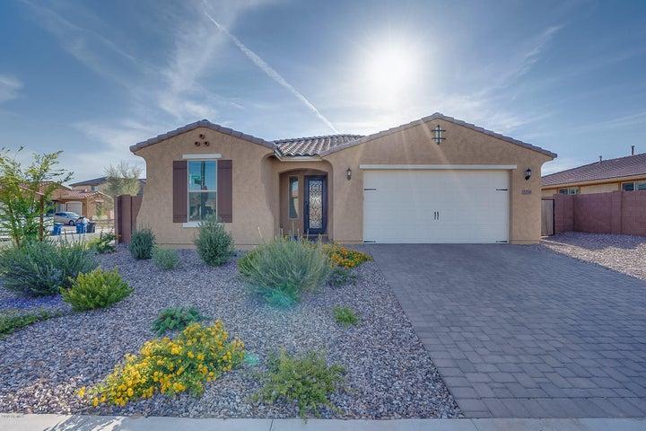 7276 S DEBRA Drive, Gilbert, AZ 85298