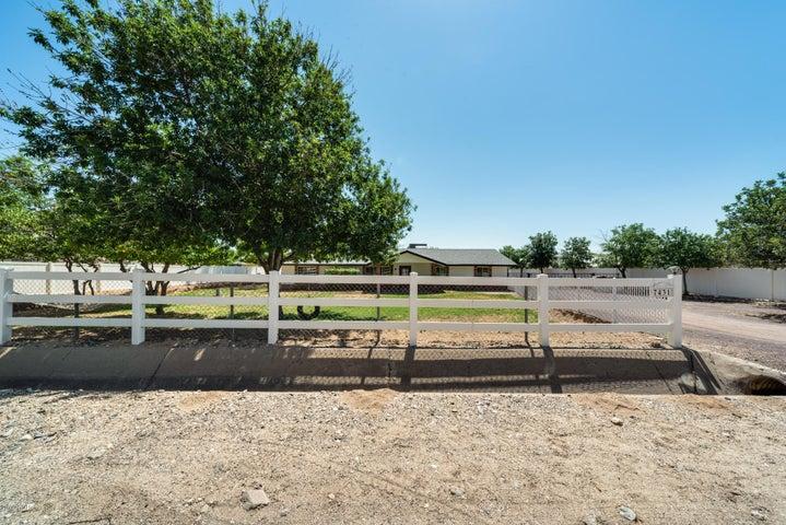 7431 N CITRUS Road, Waddell, AZ 85355