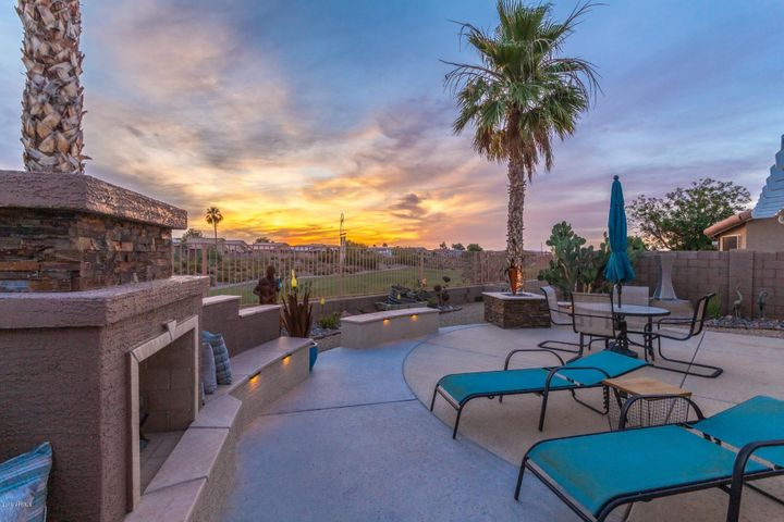 11551 W CORAL SNAKE Court, Surprise, AZ 85378
