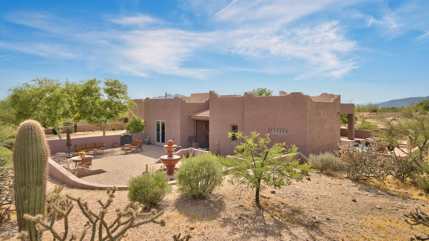 9035 E Cave Creek Road, Carefree, AZ 85377