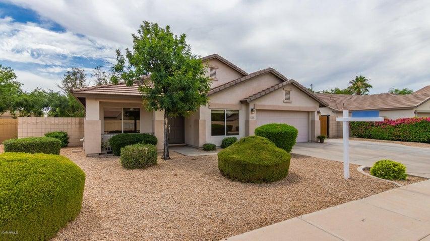 2176 S SOUTHWIND Drive, Gilbert, AZ 85295