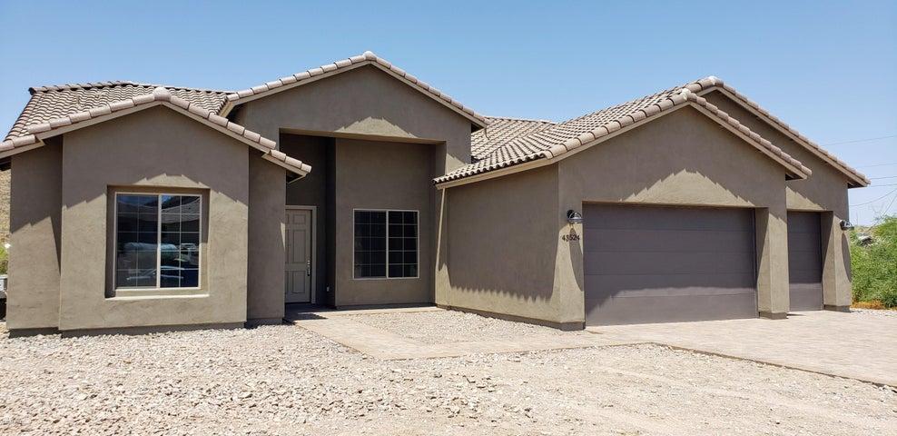 43524 N 4th Avenue, New River, AZ 85087