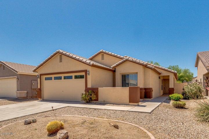 2751 E SILVERSMITH Trail, San Tan Valley, AZ 85143