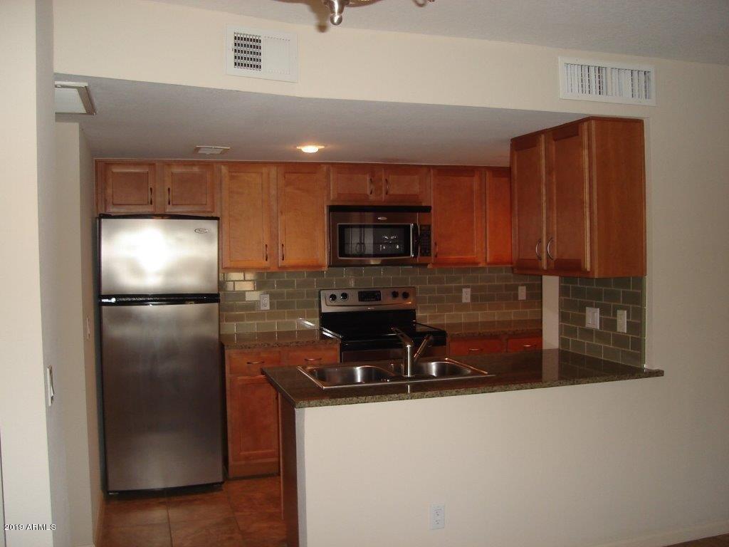 200 E SOUTHERN Avenue, 206, Tempe, AZ 85282
