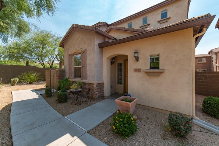 3932 E CAT BALUE Drive, Phoenix, AZ 85050