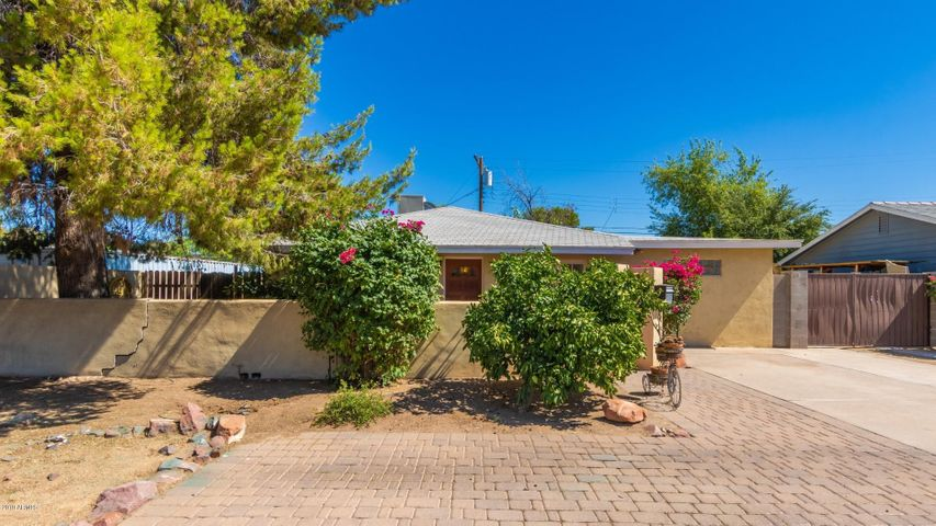 2434 E CAMPBELL Avenue, Phoenix, AZ 85016