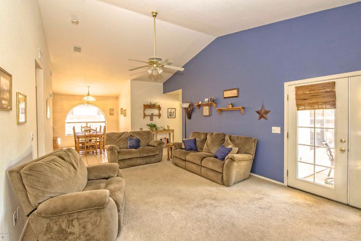 Wonderful Vaulted Ceiling. Lots of Natural Light. Great Room Concept