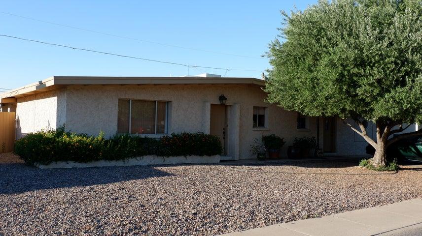 3726 E LAUREL Lane, Phoenix, AZ 85028