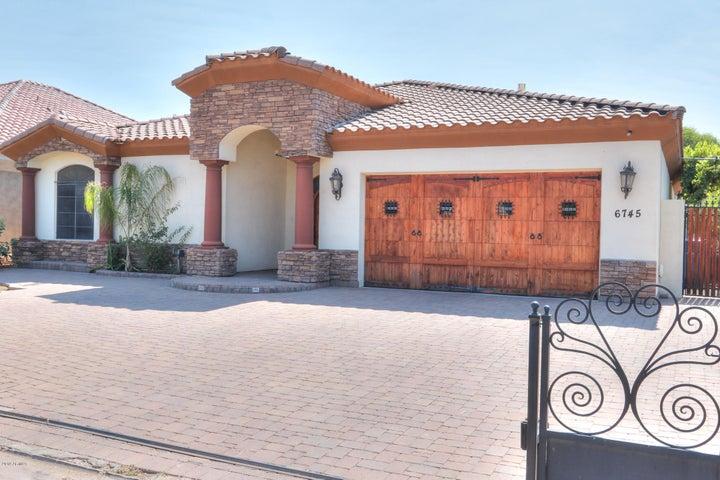 6745 N 13th Street, Phoenix, AZ 85014
