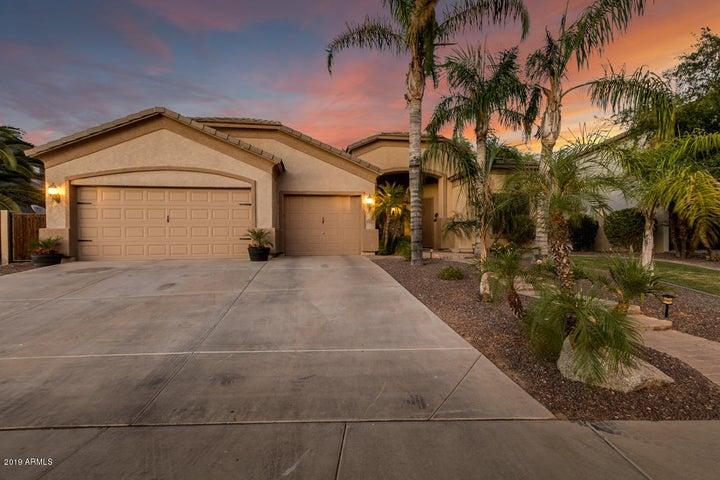 2627 S BALBOA Drive, Gilbert, AZ 85295