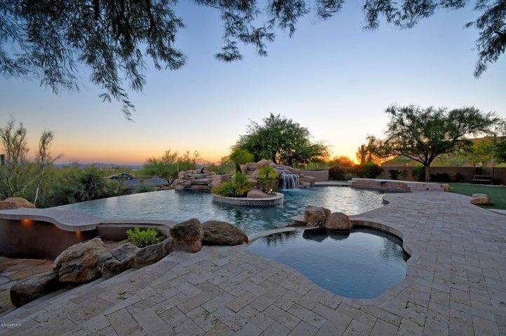 10004 E SANTA CATALINA Drive, #6, Scottsdale, AZ 85255
