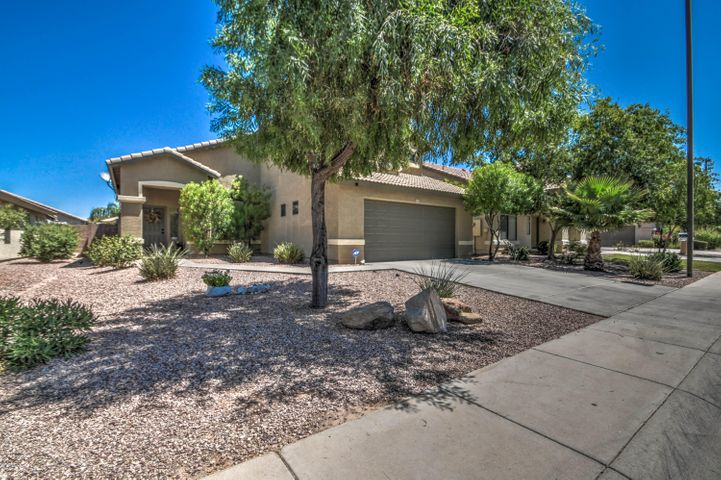 13522 W BERRIDGE Lane, Litchfield Park, AZ 85340