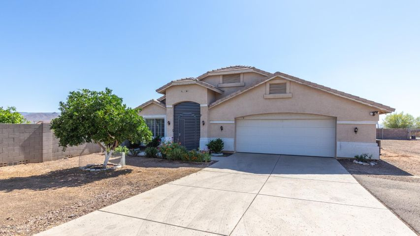 414 W OLD PAINT Trail, Phoenix, AZ 85086