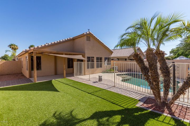 2056 E Saratoga Street, Gilbert, AZ 85296