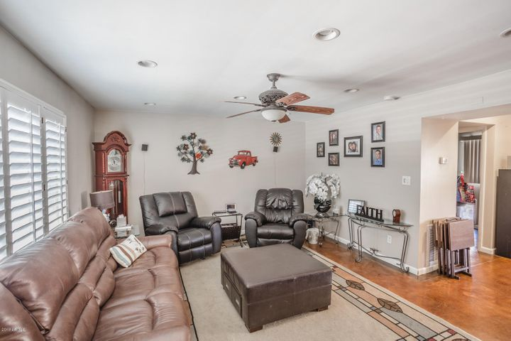 Walk in to Large Living Room