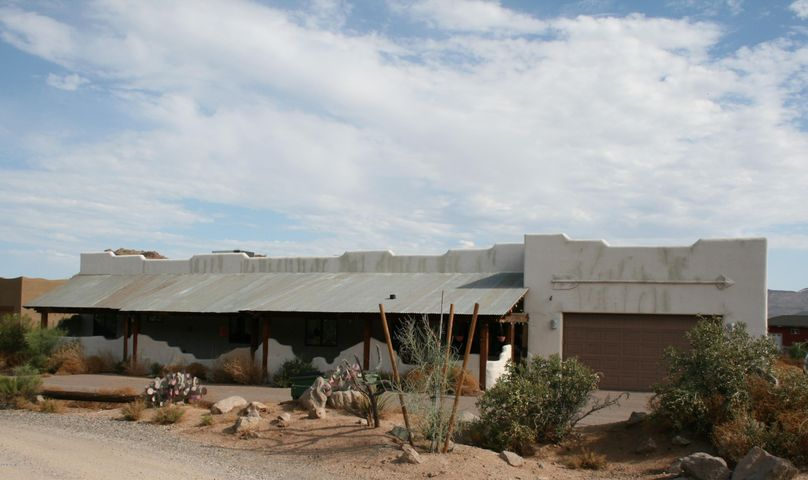 1240 E FILOREE Lane, New River, AZ 85087