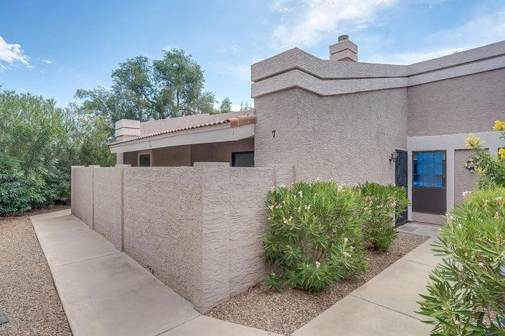 1976 N LEMON TREE Lane, 7, Chandler, AZ 85224