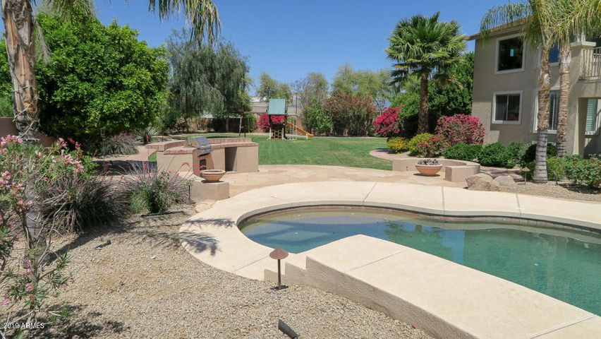 11334 N 152ND Lane, Surprise, AZ 85379