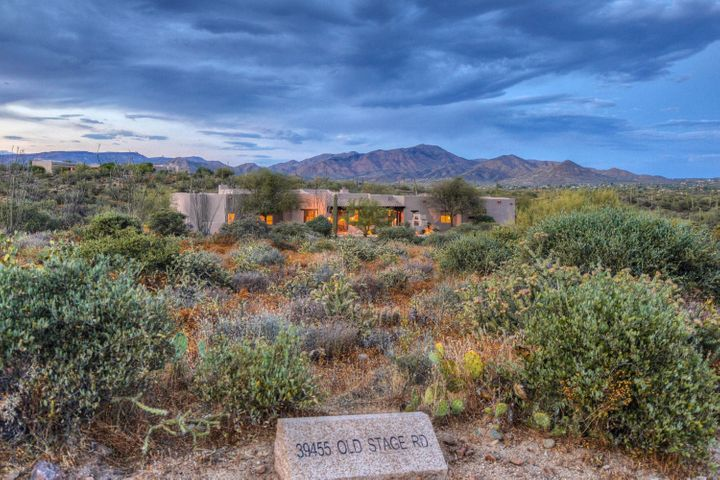 39455 N OLD STAGE Road, Cave Creek, AZ 85331