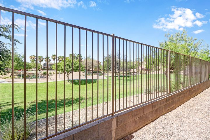 3719 W FREMONT Road, Phoenix, AZ 85041