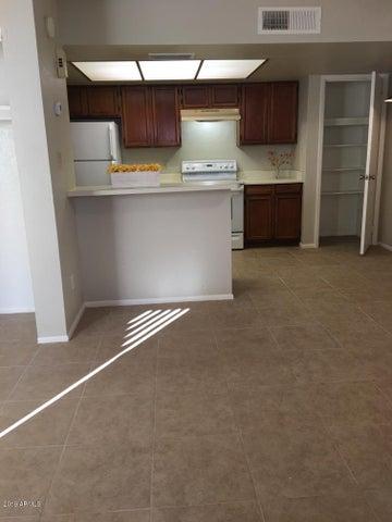4730 W NORTHERN Avenue, 1128, Glendale, AZ 85301