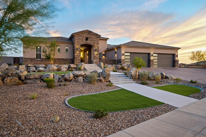 8715 W QUESTA Drive, Peoria, AZ 85383