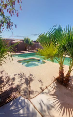 201 W HOLLY Lane, Avondale, AZ 85323