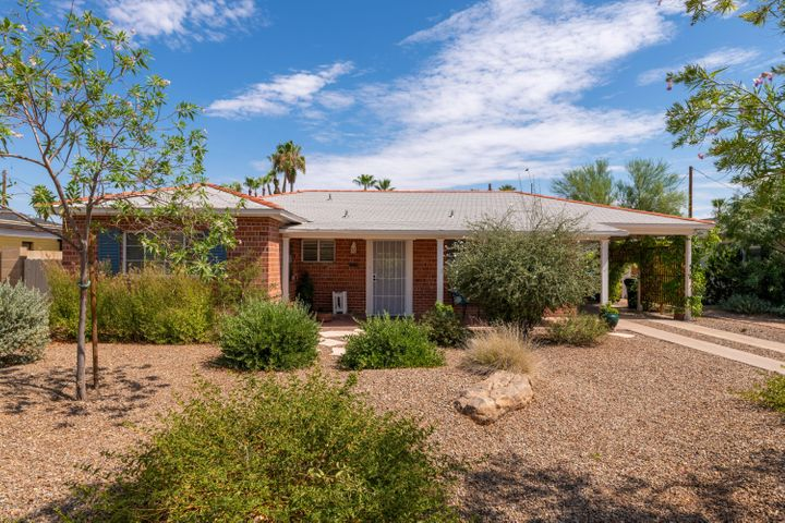 818 E EDGEMONT Avenue, Phoenix, AZ 85006