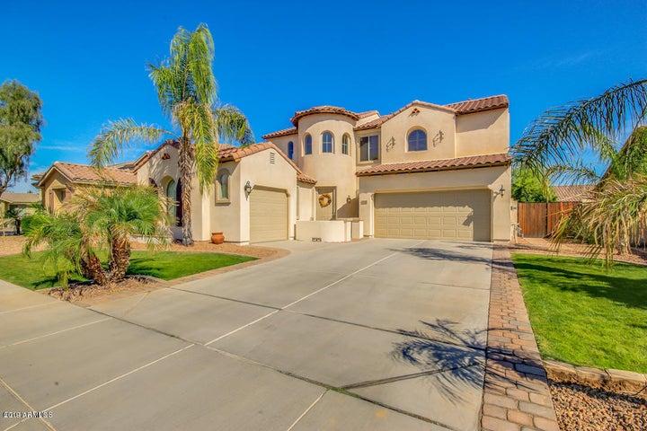 414 W HONEYSUCKLE Drive, Chandler, AZ 85248
