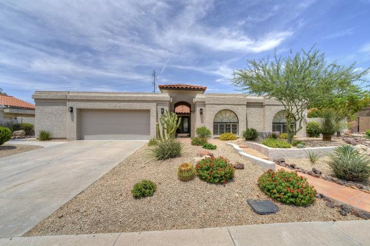 10524 E CANNON Drive E, Scottsdale, AZ 85258