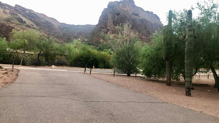 5318 E MCDONALD Drive, Paradise Valley, AZ 85253
