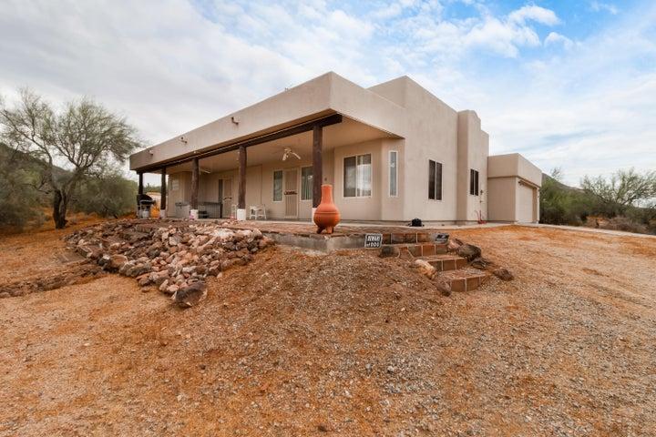 2110 E CIRCLE MOUNTAIN Road, New River, AZ 85087