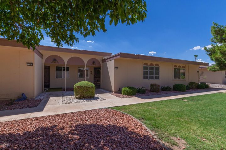 1 Bedroom; 1 Bathroom; AZ Room; Enclosed Covered Patio!