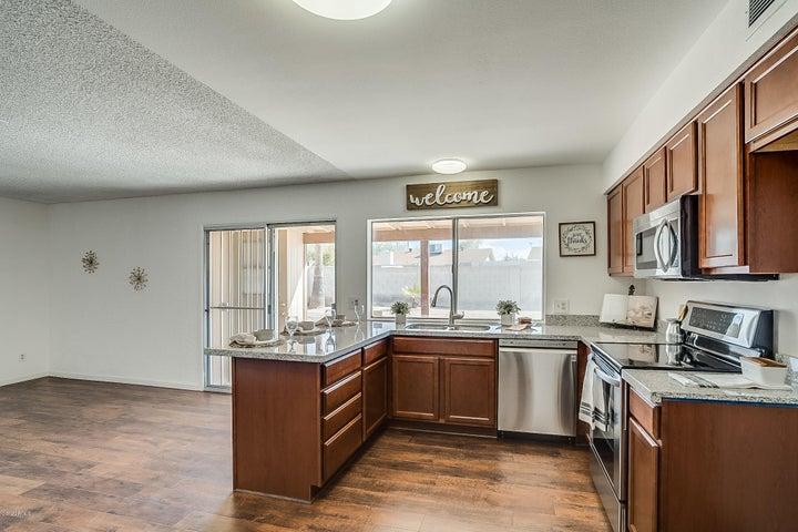 5402 S McKemy Street, <LOOK, Tempe, AZ 85283