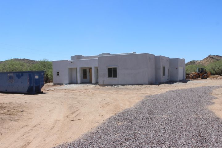 43512 N 16th Street, New River, AZ 85087