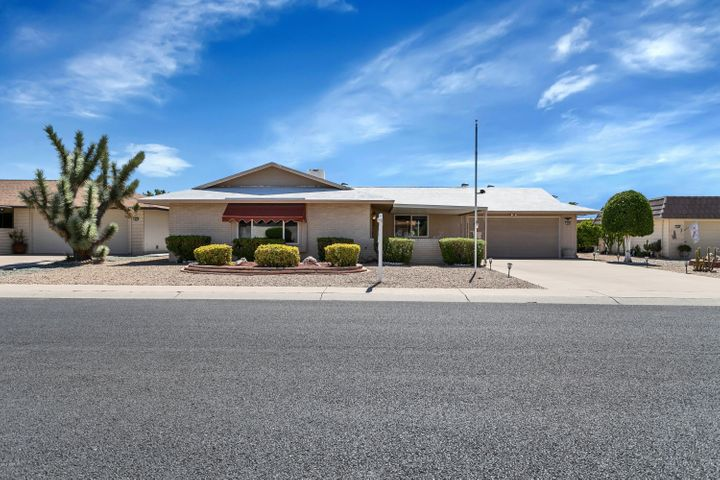 9206 W BRIARWOOD Circle N, Sun City, AZ 85351