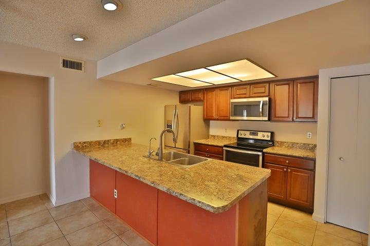 1920 W Lindner Avenue, 250, Mesa, AZ 85202