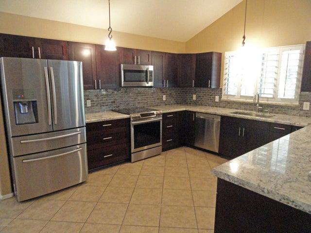 24813 N 43RD Drive, Glendale, AZ 85310