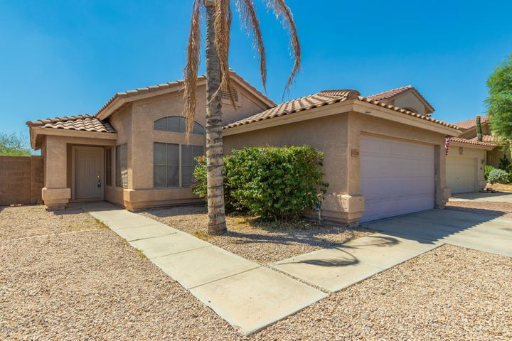17216 N WAVYLEAF Avenue, Surprise, AZ 85374