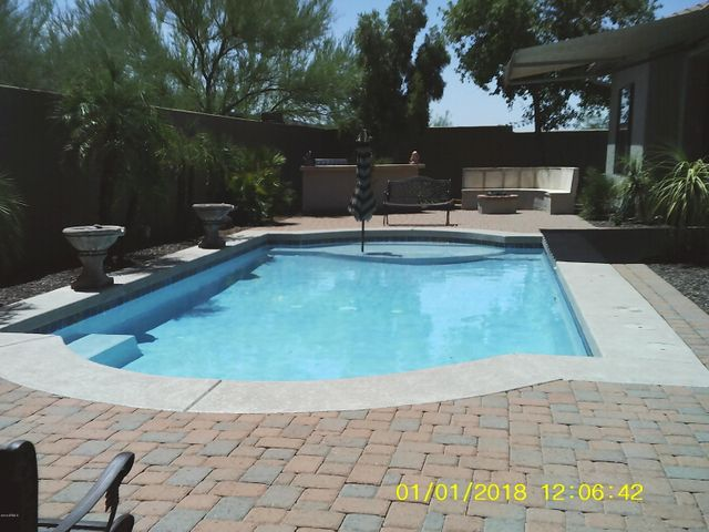 Great size pool for swimming laps. Large ledge for chairs & umbrella! Two holes on each side of pool for volleyball net.