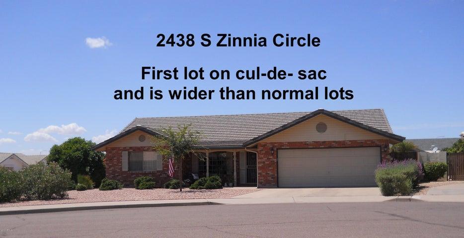 2438 S ZINNIA Circle, Mesa, AZ 85209